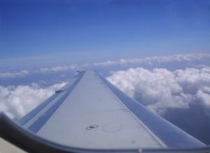 voyage-avion-enfants-conseils-pratiques-hublot