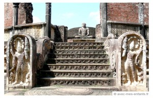 sri-lanka-en-famille-polonnaruwa