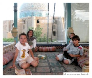 voyage-en-famille-iran-avec-les-enfants-ispahan-mosquee-lotfollah