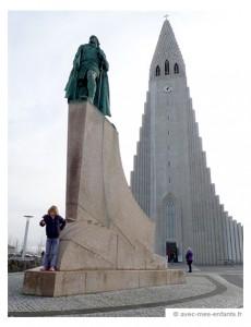 islande-en-famille-reykjavik-statue-leifur-erikson