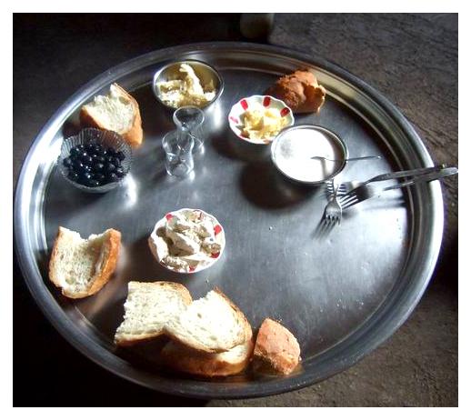 Nos Enfants Ont Littéralement Adoré La Nourriture Turque : Kefte, Boulettes  De Viande Et Autres Grilladesu2026 Les Salades Sont Succulentes.