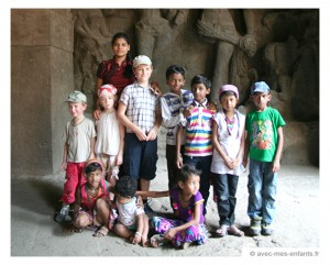 voyage-inde-en-famille-enfants-bombay-elephanta-island