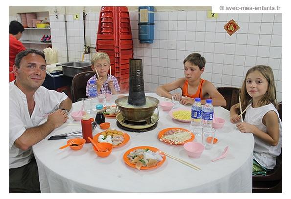voyage-famille-enfant-malaisie-fondue-chinoise-george -town