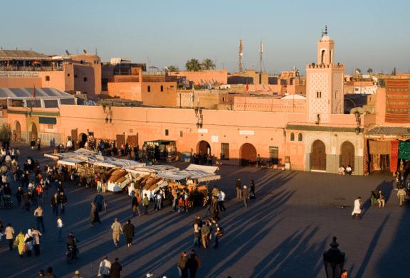 marrakech-en-famille-visite-place-jemaa-el-fna - Avec Mes