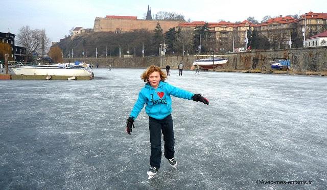 prague-en-famille-blog-voyage-patin-glace - Avec Mes Enfants