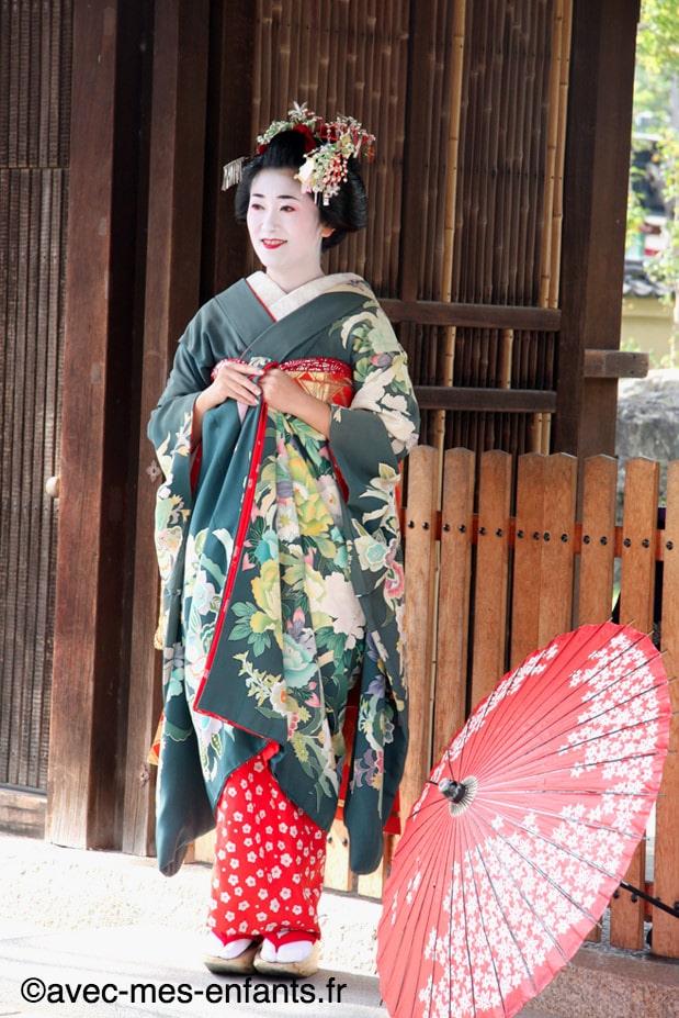 kyoto-en-famille-gion-geisha
