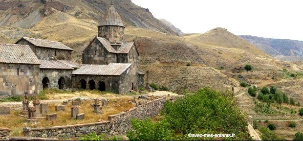 armenie-en-famille-monastere- Vorotnavank