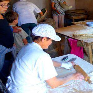 Armenie-en-famille-pain-lavach