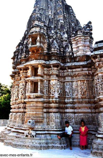 rajasthan-en-famille-inde-avec-enfants-ranakpur-temple