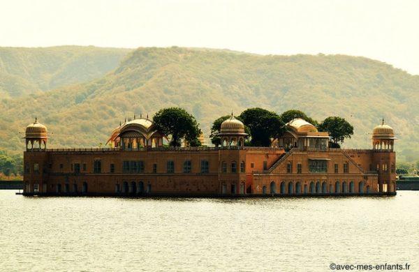 rajasthan-en-famille-inde-avec-enfants-udaipur-lac-pichola-palace
