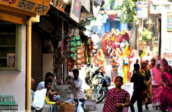rajasthan-en-famille-inde-avec-enfants-udaipur-rue