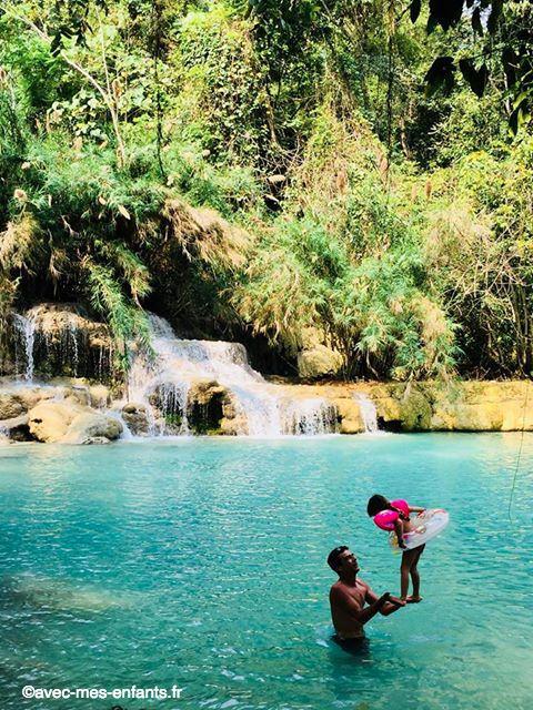 Laos-en-famille-Kuang-Si-Falls-cascade