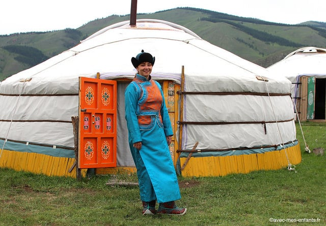 mongolie-jalman-meadows-ger-camp.jpg