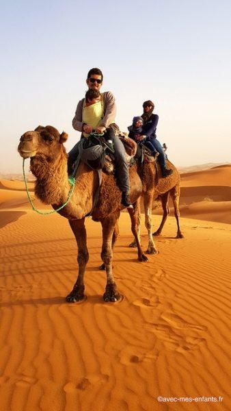 maroc-en-famille-dromadaire-erg-chebbi