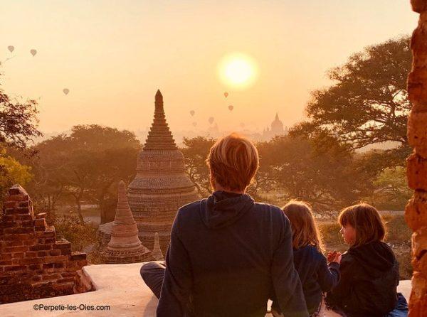 birmanie-en-famille-bagan-pagodes