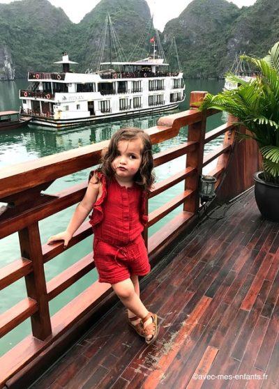 croisiere-baie-halong-vietnam-en-famille