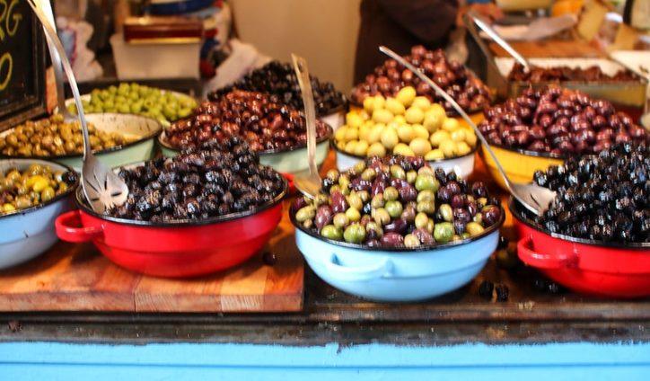 Tel-aviv-avec-enfants-olives-marche