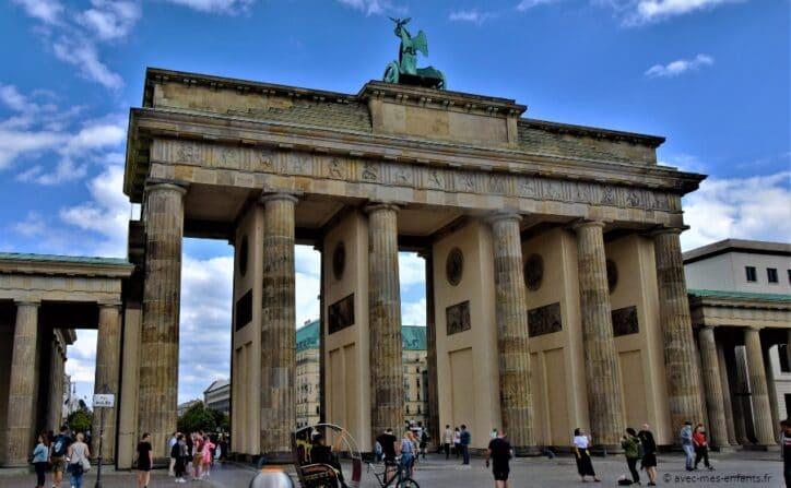 visite-berlin-avec-enfants-porte-brandebourg
