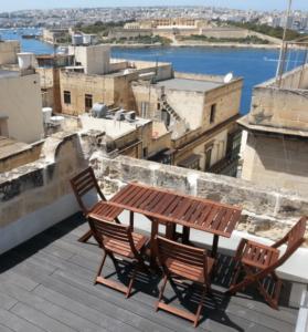 Malte-en-famille-location-appartement-la-valette